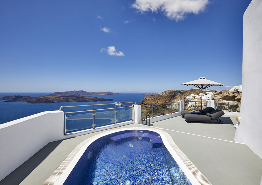 Honeymoon Suite with private pool/plunge pool